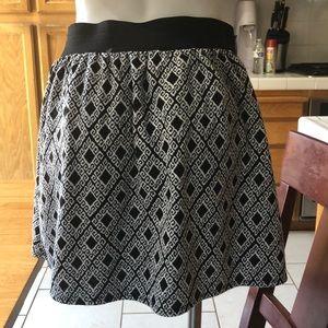 Black and white diamond design skirt